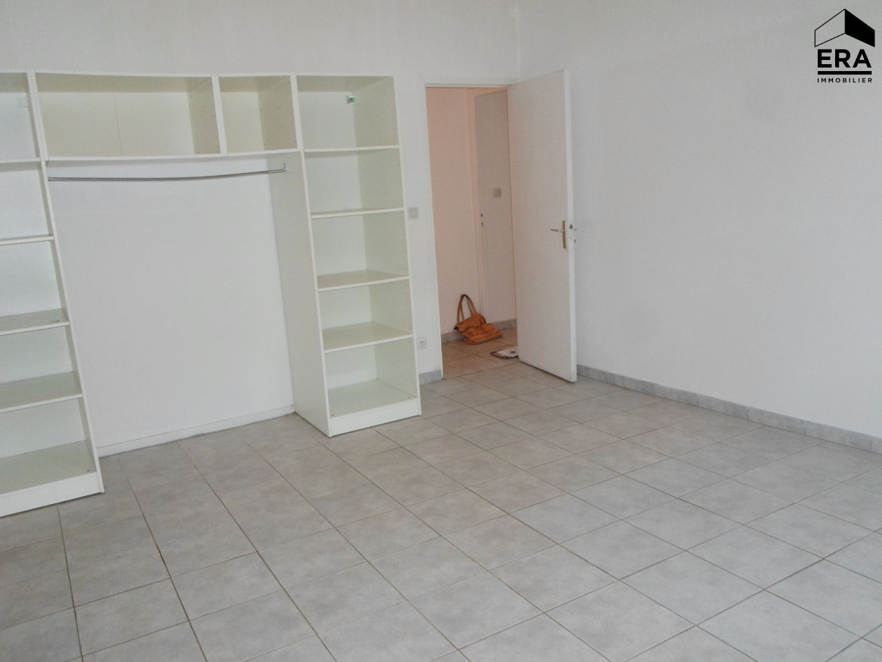 ST MAXIMIN APPARTEMENT T2